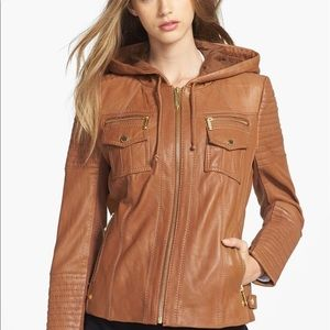 Michae Kors, Brown leather jacket with a hoodie